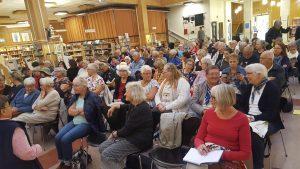 106 personer kom för att lyssna på Elisabet Hemström